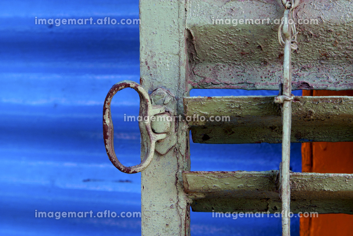 metal venetian blind and a blue   in la boca buenos aires argentinaの販売画像