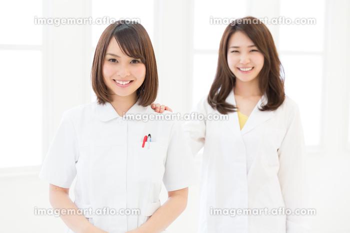 ナースと女医の販売画像