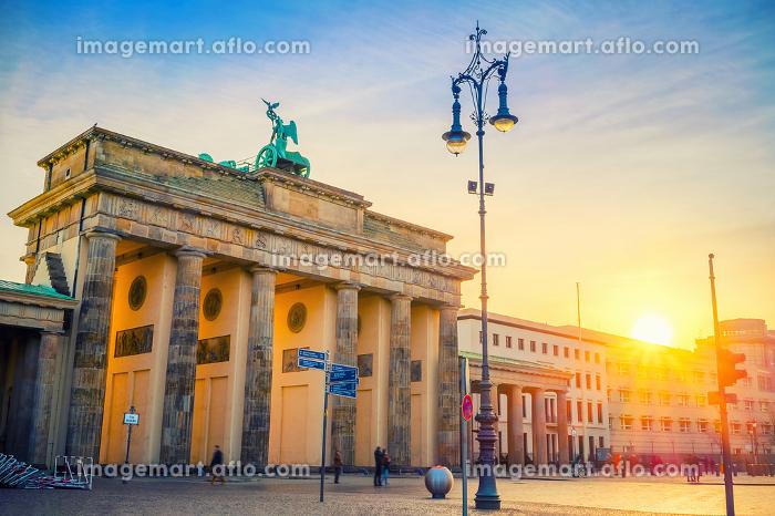 Brandenburg gate at duskの販売画像