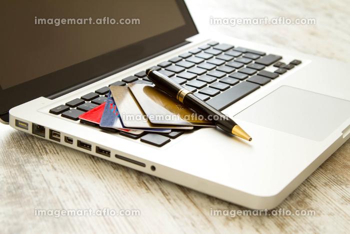 銀行 ノートパソコン パソコンの販売画像