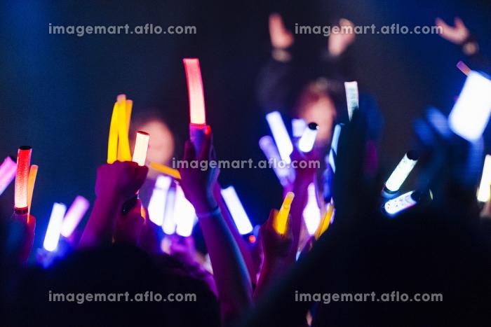 アイドルのライブ会場の販売画像