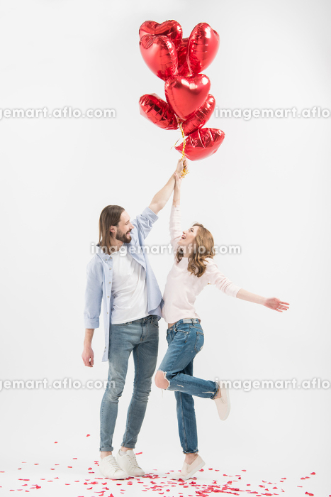 Couple with air balloonsの販売画像