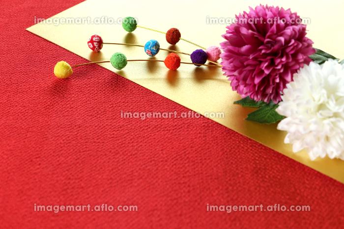 正月イメージ ちりめんで作った餅花と菊の造花 8の販売画像