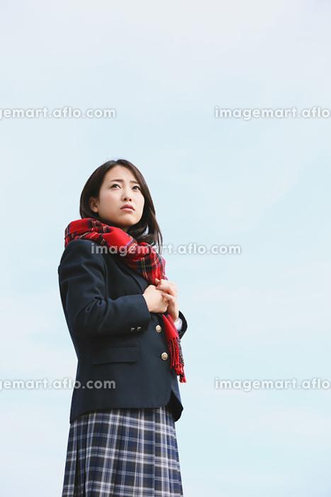 真剣な表情の女子高生の販売画像