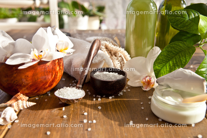 bath salts and other toiletriesの販売画像