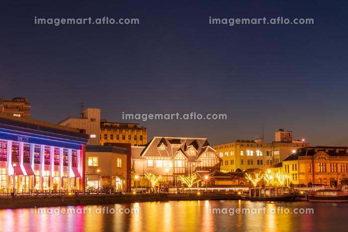 観光地門司港レトロ地区の美しい夜景【福岡県北九州市】の販売画像