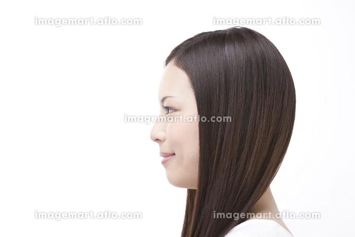 女性の横顔の販売画像