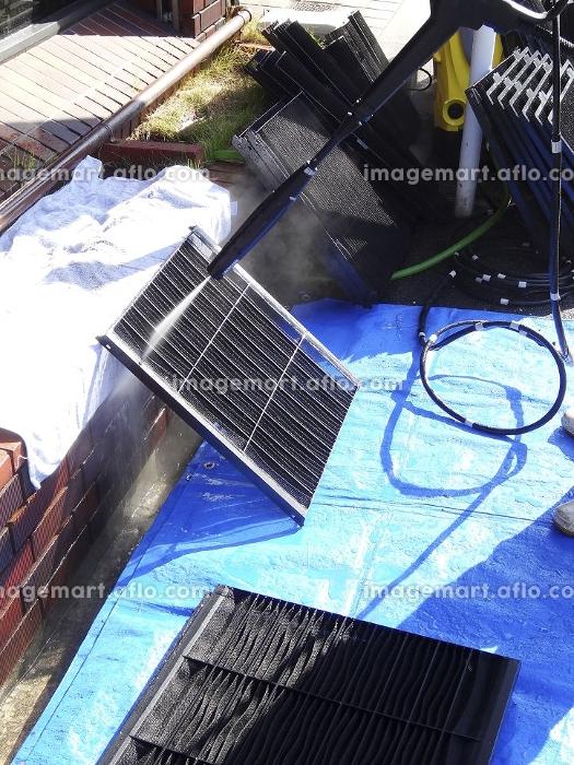 高圧洗浄機でエアコンフィルターを洗浄するの販売画像