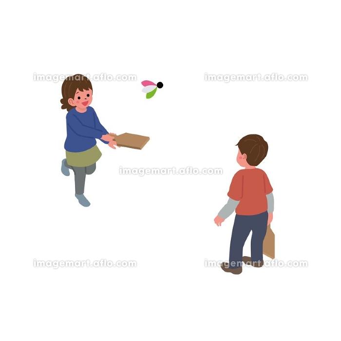 アイソメトリック 羽根つきで遊ぶ子供 イラストの販売画像