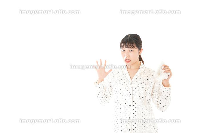 鼻血を出す女性の販売画像