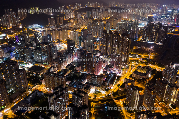 Aerial view of Hong Kong in the eveningの販売画像