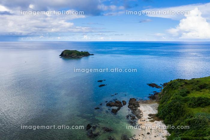 Aerial view of Tropical lagoon of Ishigaki island of Okinawaの販売画像