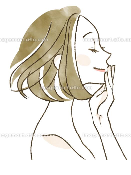 目を閉じて微笑む女性の販売画像