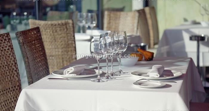 Served table in  restaurant interiorの販売画像
