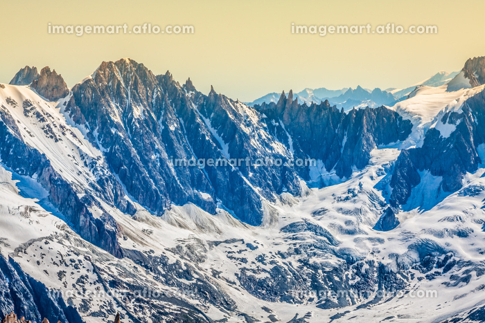 view of the mont blanc mountain range from aiguille du midi in chamonix - landscape orientationの販売画像