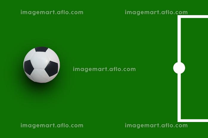 football soccer on green backgroundの販売画像