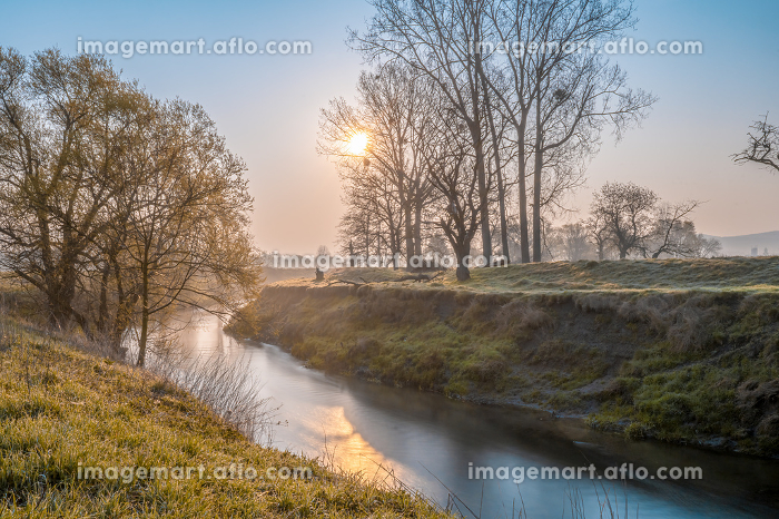 River in colorful atmospheric sunlight mood in the morningの販売画像