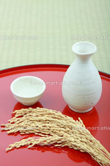 日本酒と稲穂