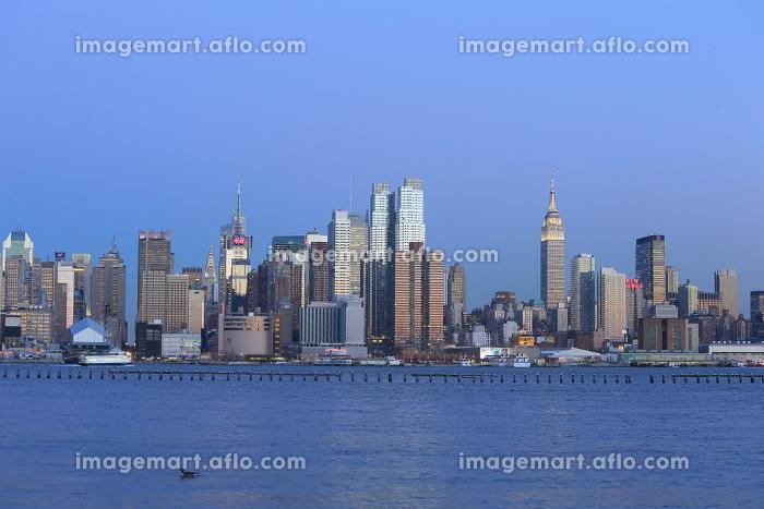 ニューヨーク マンハッタン スカイライン ニュージャージー側より アメリカ合衆国の販売画像