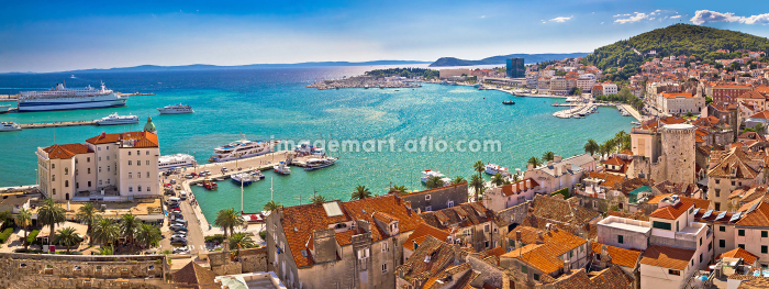 Split historic waterfront panoramic aerial viewの販売画像