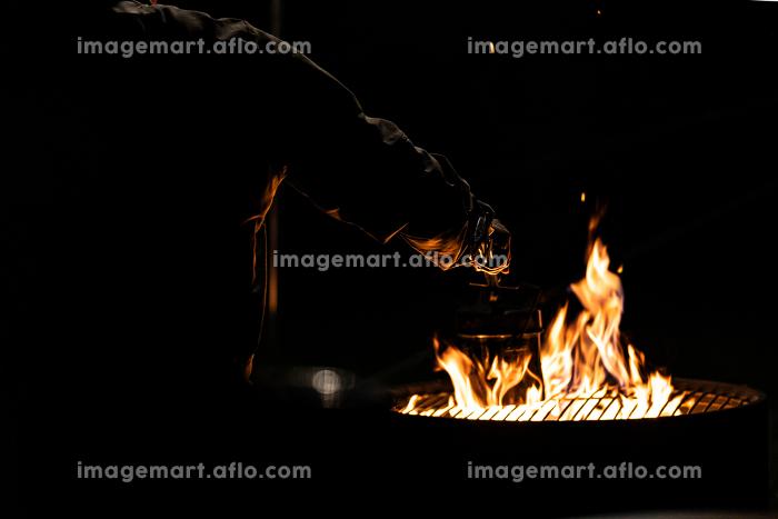 焚火 焚き火 キャンプ場 キャンプ 火 炎の販売画像