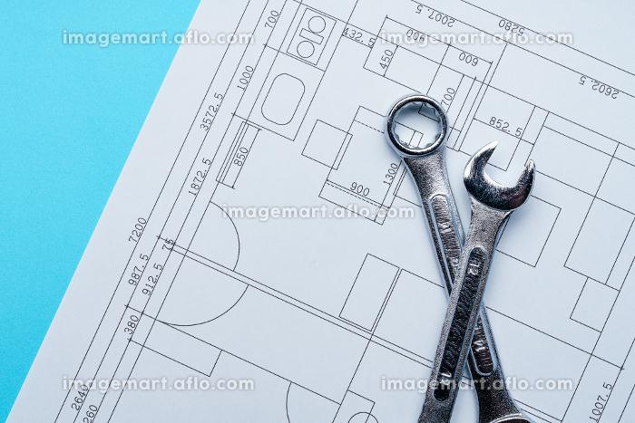図面と工具の販売画像