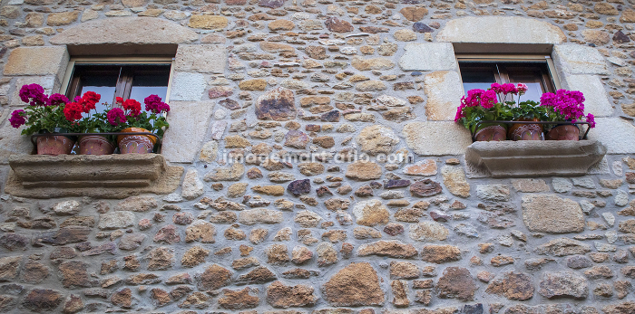 Details of the medieval streets in the beautiful village of Pals in noの販売画像