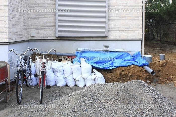 住宅の新築工事現場の販売画像