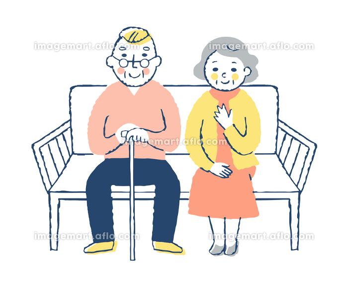 ベンチに座る老夫婦の販売画像