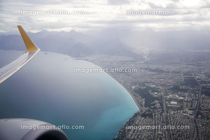 View of Antalya from the airplane in springの販売画像