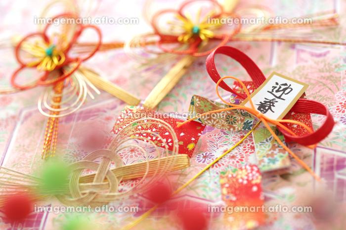 日本の伝統行事のお正月の飾りや小物の集合イメージの販売画像