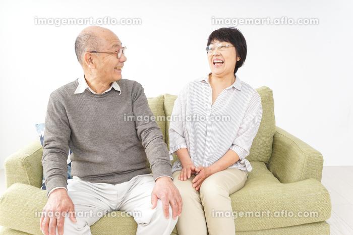 高齢の夫婦の販売画像