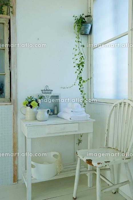 白い家具の販売画像