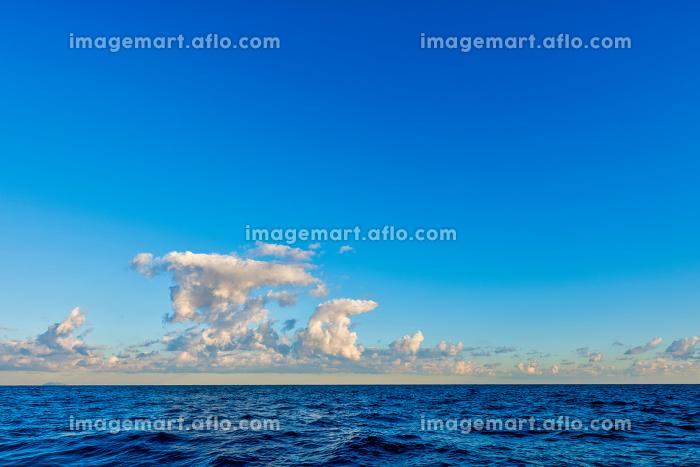 青空と海と雲と【玄界灘】の販売画像