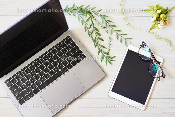 パソコンのキーボード(ナチュラルイメージ)の販売画像