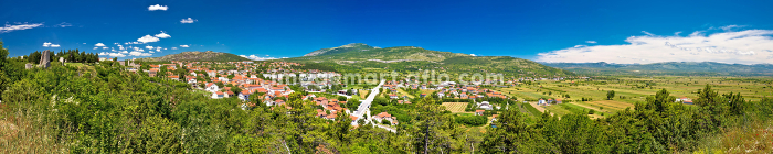 Town of Drnis and Dalmatian inland panoramaの販売画像
