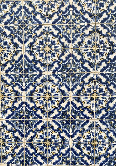 picturesque blue tiles of azulejo in the city of portoの販売画像