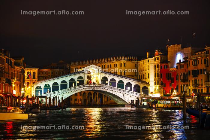 リアルト橋 有名 夜の販売画像