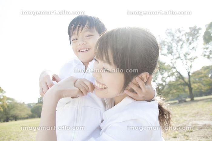 笑顔の母子の販売画像