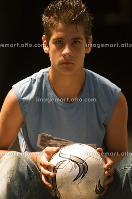 男性 サッカー 若者の販売画像