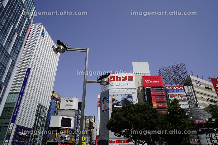 新宿東口近辺の街並みの販売画像
