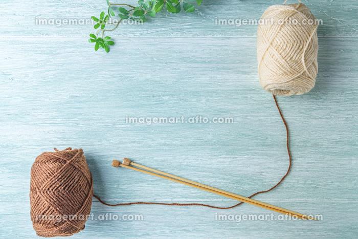 毛糸と編み棒の販売画像