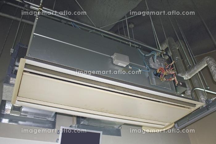 高い天井用の吊り下げ型エアコンの販売画像