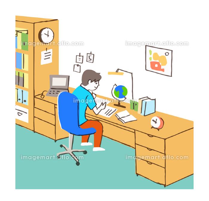 部屋で勉強する男の子の販売画像
