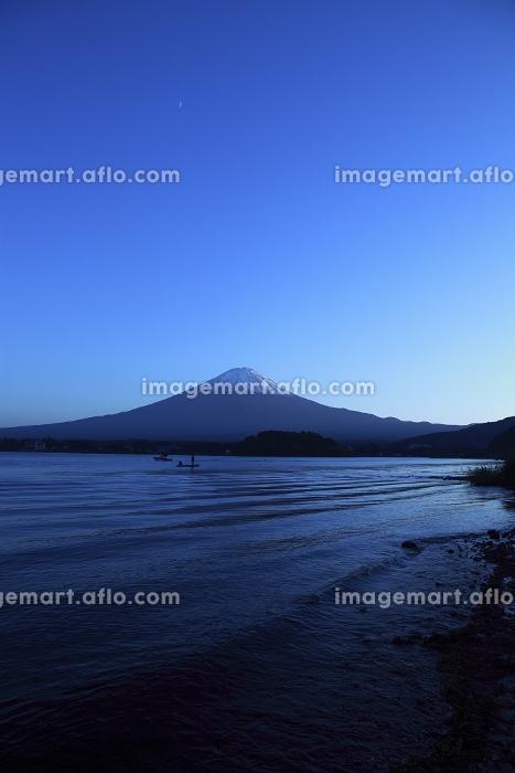 夕暮れの富士山と河口湖の販売画像