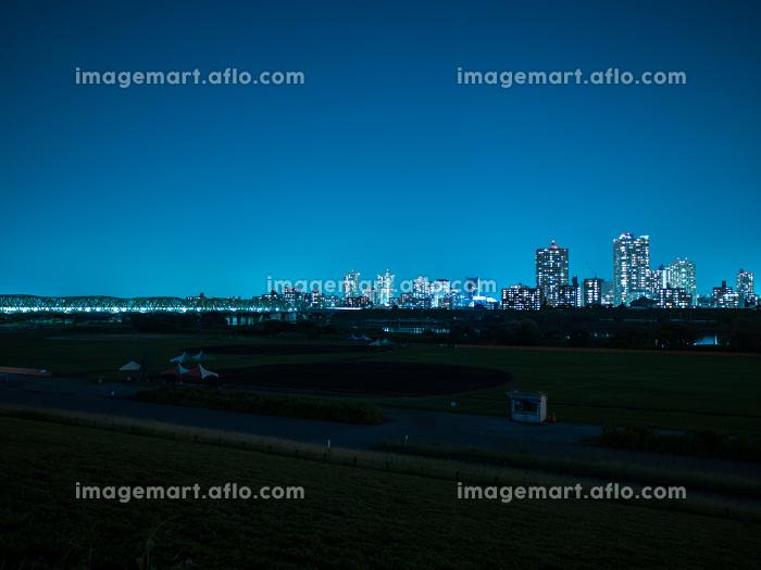 埼玉県川口市と荒川の夜景 7月の販売画像