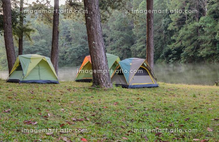 Camping tents near lake at Pang Oung in Mae Hong Son, Thailandの販売画像