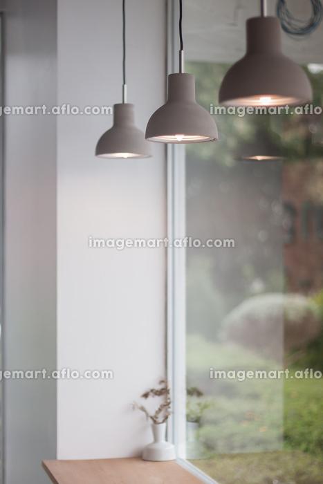 Beautiful retro light lamp decorated glowingの販売画像
