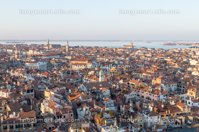 Aerial view of Venice at dawn, Italyの販売画像