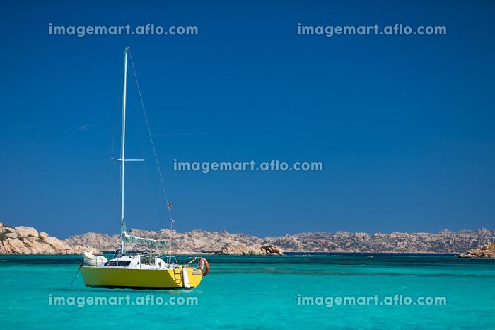 Scenic Sardinia island landscape. Italy sea coast with azure clear water. Nature backgroundの販売画像